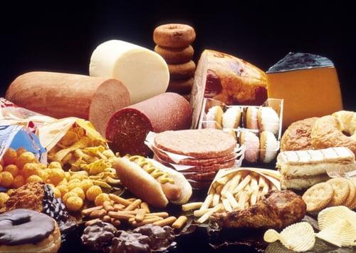 許多人會把「脂肪」冠上有害、不健康、減肥破功的惡名,尤其是「飽和脂肪」,不少人都對它避而遠之,但飽和脂肪真的有那麼糟?研究發現,它們不是一無是處!