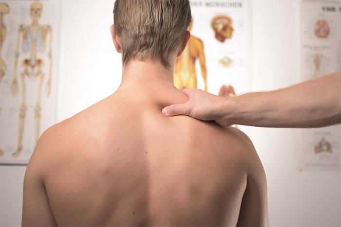 骨盆歪斜會讓你…腰痠背痛