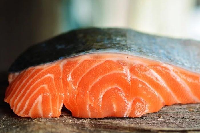 鮭魚 魚肉色澤 蝦紅素