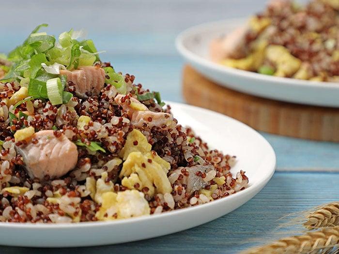 鮭魚藜麥炒飯