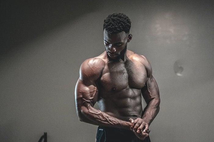 麒麟臂 手臂肌肉 粗壯手臂 手臂訓練 健身猛男