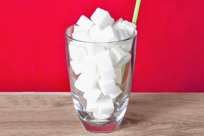 黑糖珍珠奶熱量高,一杯直逼12顆方糖