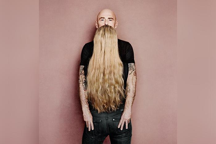 長鬍子男子錯視照片