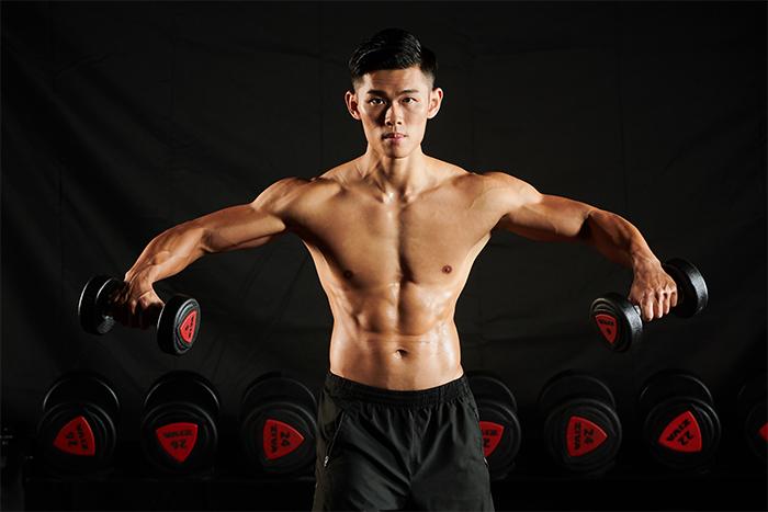 人像攝影用深色背景拍出滿屏大肌肉