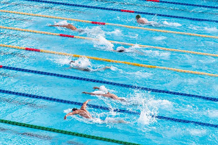 游泳 有氧運動 水有阻力 浮力 保護膝關節
