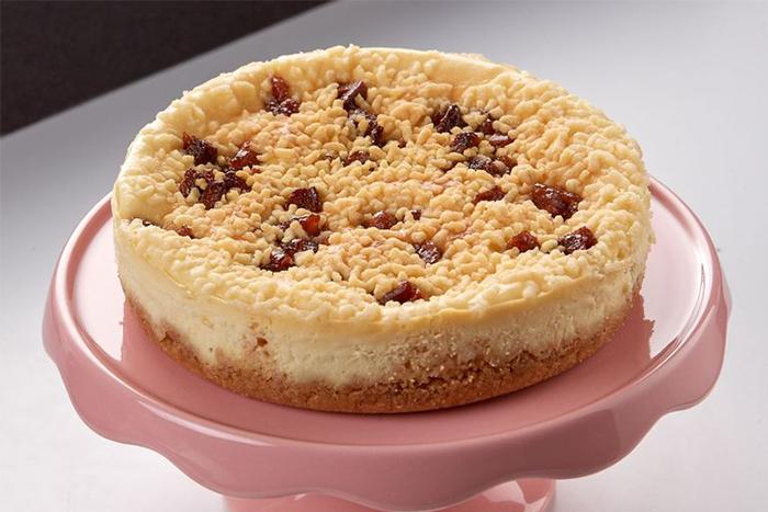 草莓季甜點熱量公開-6吋奶酥草莓重乳酪蛋糕