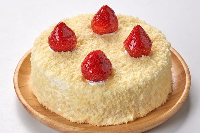 草莓季甜點熱量公開-6吋草莓雙層乳酪蛋糕