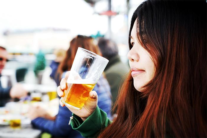 喝酒小酌不過量有助於增強免疫力