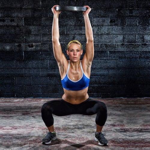 不想浪費時間在排隊大型健身器材上,或適合的啞鈴重量也「缺貨中」,你可以默默拿槓片來做加重訓練,效果不比重量訓練機器差、同樣可以雕塑肌肉線條,絕對是很棒的健身輔助器材喔!