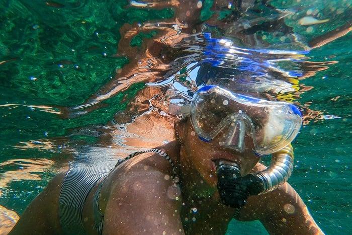 水肺潛水的裝備 面鏡、蛙鏡、呼吸管