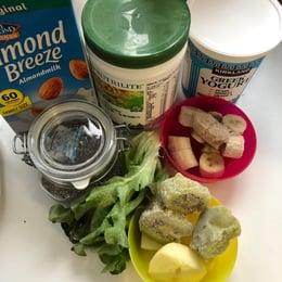 早餐「綠拿鐵」食材