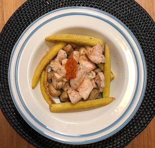 晚餐,香煎玉米筍與雞胸肉