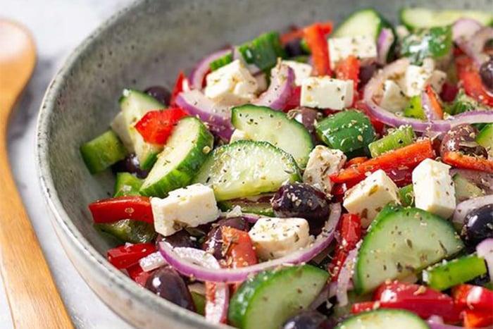 生酮飲食 外食族 沙拉 動物性蛋白質 低鹽綠色蔬菜 不吃含糖食物