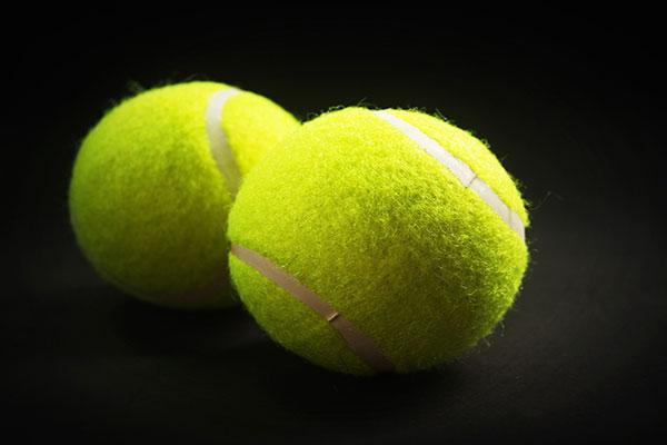 網球是適合在家健身的器材