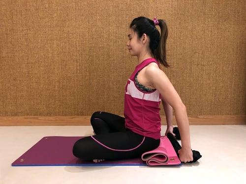 背肩伸展-正確姿勢