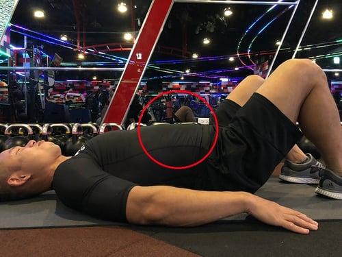腹肌運動-錯誤4