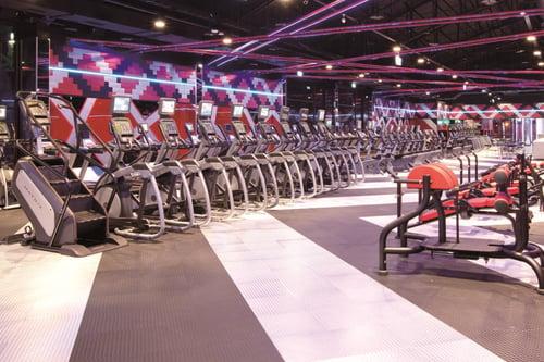健身房有豐富的心肺器材