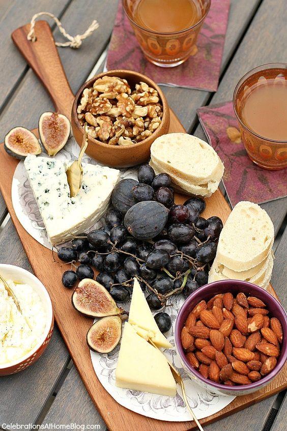 鋅可以從堅果類、cheese類攝取。