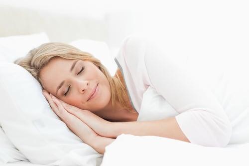 睡眠品質會直接影響到壓力是否能得到緩解,睡飽睡滿降低壓力,當然就沒有可體松派上用場的時候,因此,如果你有失眠的問題,要盡快改善,例如:透過睡前伸展、泡澡、點精油…等,都是不錯的方法喔!