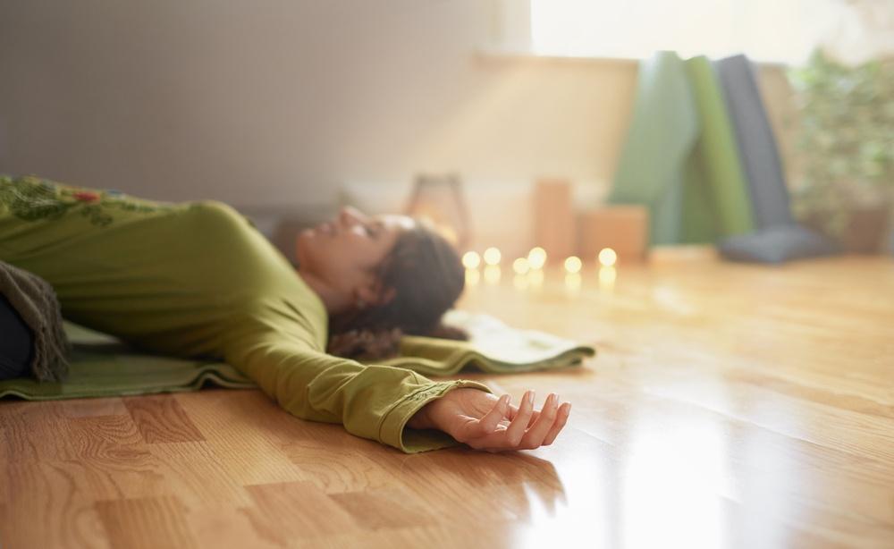 時常做瑜珈可以促進更好的睡眠品質,並被證實可以增加褪黑激素的分泌