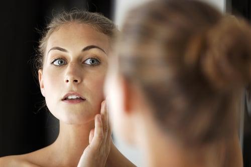 不服老,吃瓜子是你最好的選擇!瓜子是維生素E的良好來源,具有抗衰老、皮膚美容、提高免疫力的作用,而根據研究表示,瓜子含有特殊的油脂,能對人體皮膚、眼睛、大腦有很好的幫助。