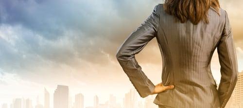 腰部是軀幹中最弱的部份,如果肌力不足導致經常受傷,限制到行動力,一個小動作都會讓你痛得唉唉叫。而預防與改善下背疼痛非常好的方法,就屬「強化下背肌群」最有效。