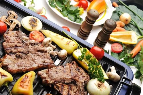 長肌肉需要「嚴格飲食控制」:高蛋白質、低碳水化合物、少量脂肪