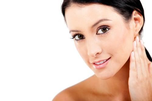 含有大豆異黃酮、維生素B群的豆腐,有助於改善皺紋、養顏美容,肌膚變得更加柔嫩光澤。