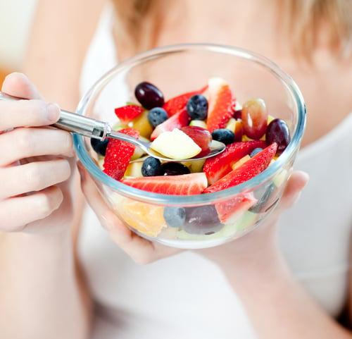 想變瘦的你,吃藍莓就對了!藍莓的卡路里低,吃進肚不會有太大的負擔,還有助於燃燒堆積在腹部的頑固脂肪