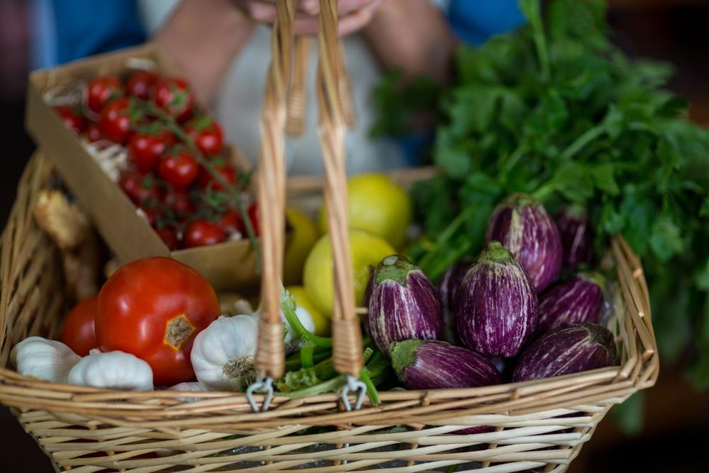 選擇好的碳水化合物,像是蔬菜,代替戒斷碳水化合物,這對身體和長期減重,都會有幫助。