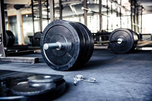 狂做重訓還是沒肌肉? 因為你沒做到肌肥大3原則2.增加訓練阻力、張力