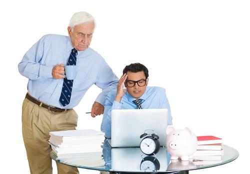最近有一項研究顯示「越認真工作,越容易變胖」,所以會變胖都是公司的錯?其實是你沒注意到辦公室裡的這10大陷阱!