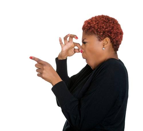 口臭,讓社交破局,更阻礙了人際關係!而且可怕的狀況,是自己哈一口氣,也無法聞到真實的臭味,很多人都不知道自己有口臭,或是有些人會。現在這篇文章,將教你3招自我檢查,以及改善口臭問題。