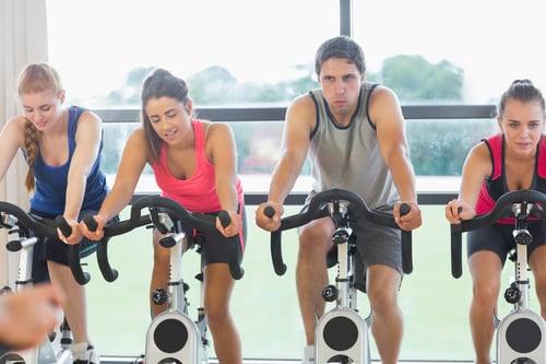為了快速瘦身減肥,拚命猛踩飛輪,但有的人騎了會變瘦,有的人卻騎得汗流浹背,體脂肪都沒下降一點。到底為什麼呢?想靠飛輪快速燃脂,你還必須掌握這幾件事!