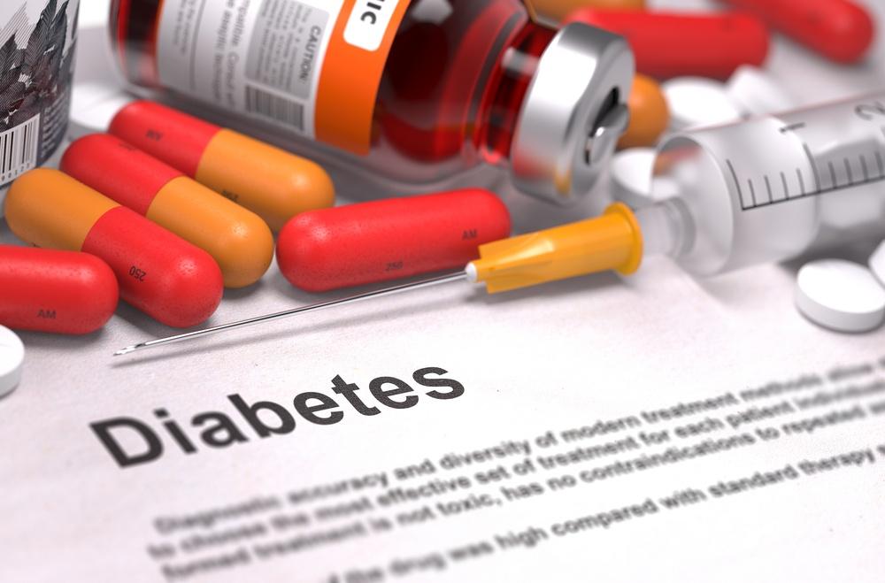 服用大量藥物(類固醇等)」,也會引起脂肪肝形成。