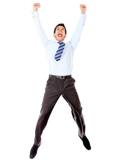 有些人,因為不熟悉開合跳,動作做起來會有一點不協調,像是最常見的錯誤動作:跳起來,雙手舉高拍手,但腳是併攏在一起的;跳下來的時候,腳是張開的。如果你每天積極花一點時間練習開合跳,這有助於改善肢體和大腦之間的協調,讓你在生活或運動時有一大幫助,更能掌握你的身體肌肉控制。