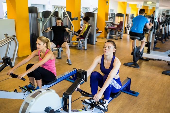 沒運動也能持續瘦?就是有這麼好康的事!肌耐力訓練,真的有這樣神奇的效果,不只減緩肌肉流失的速度,還能在健身後的4到8小時,持續燃燒熱量,幫你打造不復胖體質