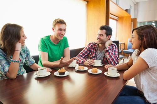 分享哲學,絕對是忌口的最佳方式!特別像是相約星巴克聚餐,點了麵包、點心、咖啡,那麼,就大方點,把自己的那一份、分享出去,自己少吃一點,才能守住自己的身材。