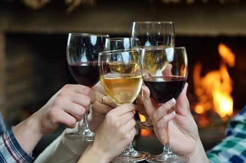 酒精會增加肝臟的負擔之外(容易有脂肪肝),還會破壞纖維蛋白質的合成率。