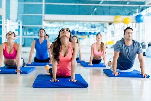 「瑜珈」男女皆宜、一個墊子就能做而且好處多