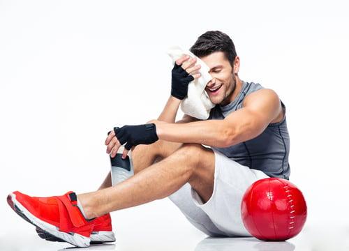 什麼是藥球?在醫療上,藥球很常被拿來當作復健,幫助患者恢復體能,而對於健身訓練上也相當實用!透過多樣化的動作結合,有助於提高肌肉力量和運動表現,訓練爆發力也很有用!