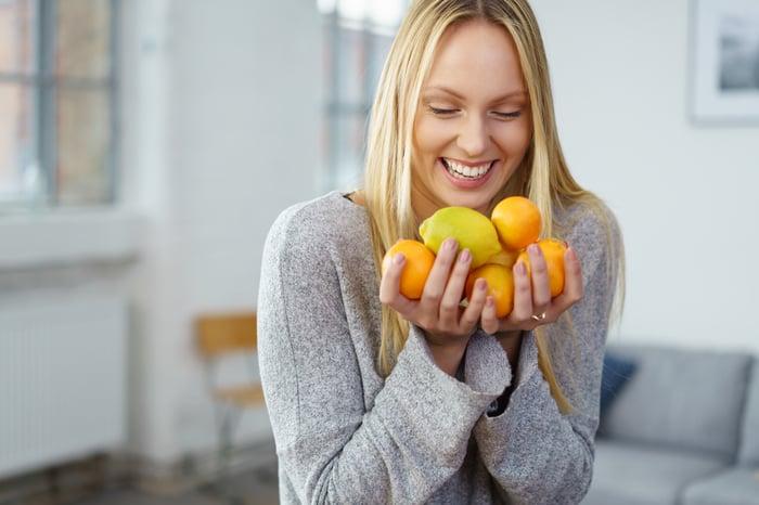 別買零食堆家裡,嘴饞就改吃水果
