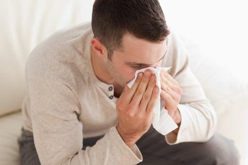 解決連續打噴嚏、鼻水直流,除了就診之外。還得改變生活習慣再加上食療,改善效果可以更顯著!