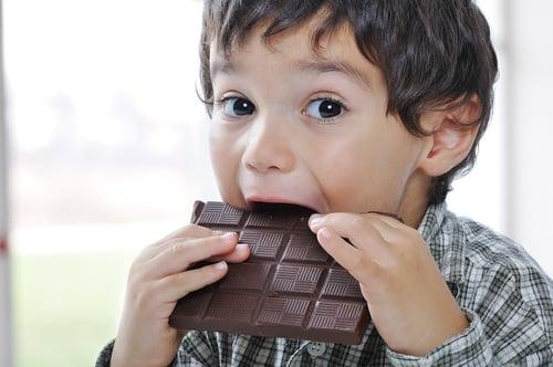 牛奶和巧克力一起食用,會對人體有害嗎?