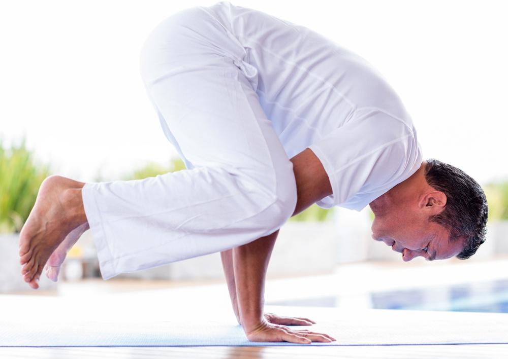 瑜珈的動作除了靜坐、也很有多需要靠身體肌肉來支撐整個身體重量的動作