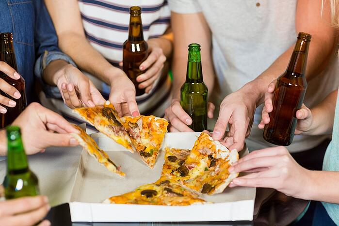 脂肪肝形成原因 過多酒精 肝臟代謝負擔