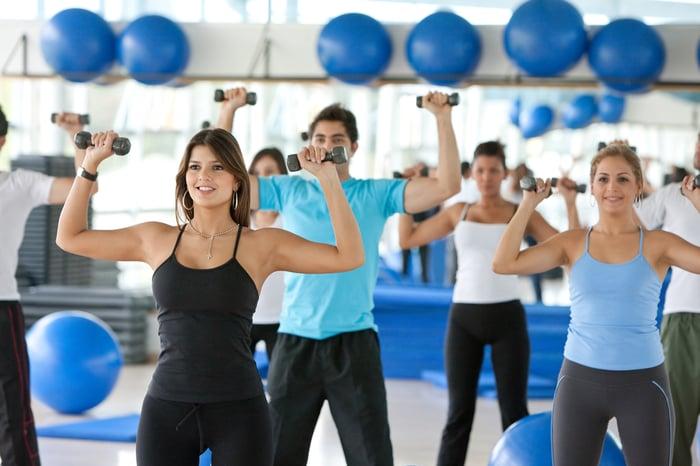 阻力訓練好處是可以針對部位做加強,讓全身肌肉群均衡發展,肌肉變多,就能消耗更多熱量。