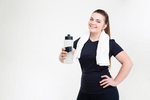 膝蓋是承受身體重量的重要關節,當人體重增加,對膝蓋的負擔也提升,因此需要克制飲食