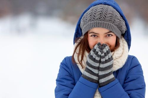手腳冷吱吱,甚至凍的徹夜難眠,是否讓你很困擾!來吧,解決手腳冰冷的問題,就靠這4招,讓你一年四季手腳溫暖。