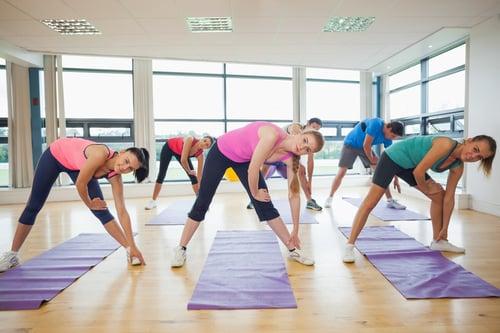 透過低強度的運動,例如:瑜珈伸展、輕度有氧…等,都可以促進血液流動,並且幫助細胞組織修復,又不會對肌肉造成太大的壓力,能讓身體順利進入超回復機制。